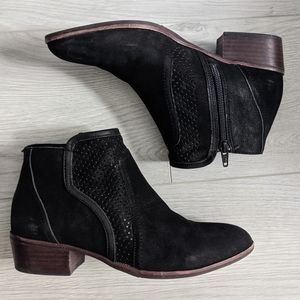 Gianni Bini Black Leather Ankle Boots Stacked Heel
